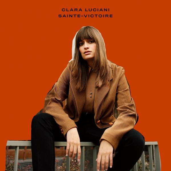 CLARA LUCIANI sur M Radio